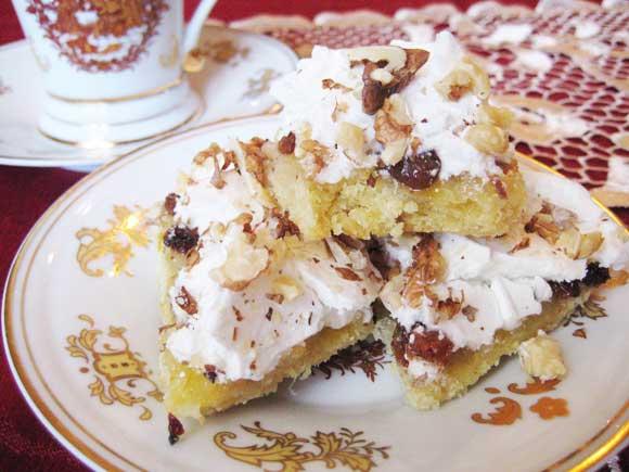 Фото - Печиво до чаю з лимоном, родзинками, безе і горіхами